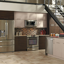 Pamli kitchen cabinets featuring color blocking