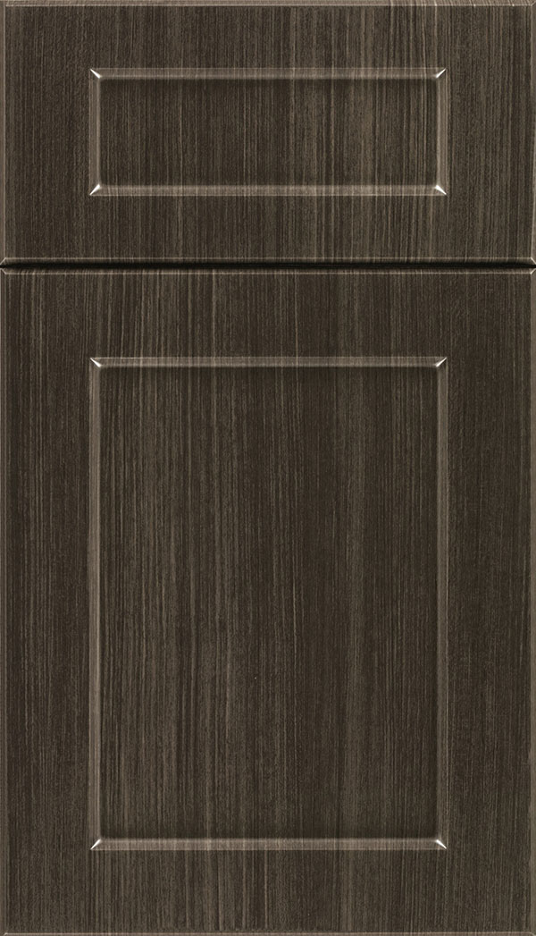 Coventry 5-Piece Thermofoil cabinet door in Woodgrain Chillagoe