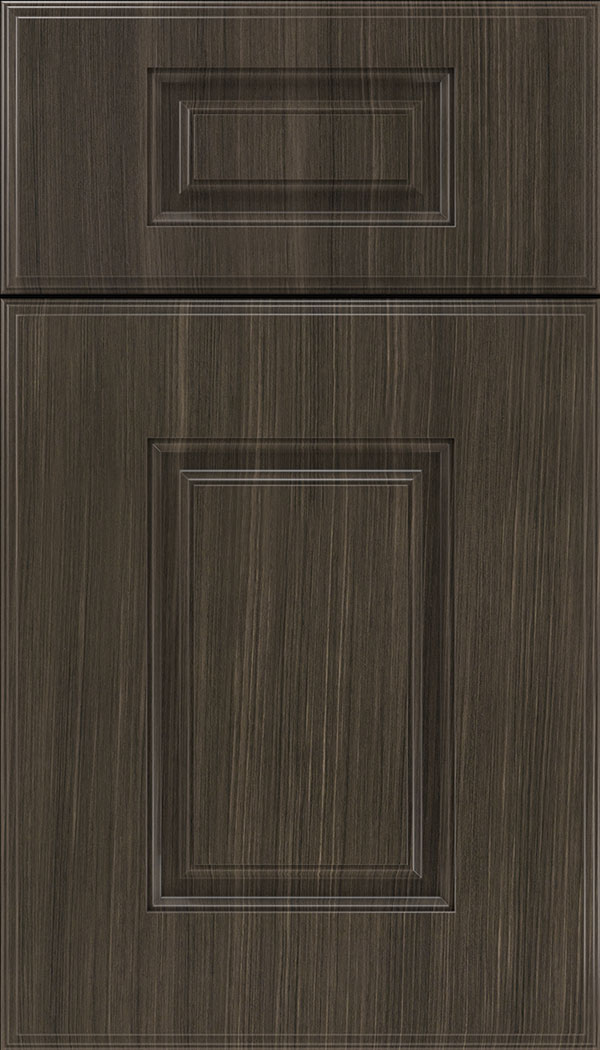 Eldorado 5pc Thermofoil cabinet door in Woodgrain Chillagoe