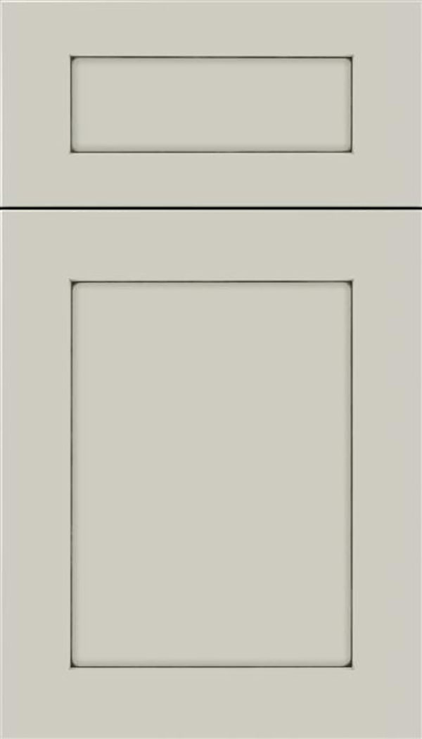 Salem 5pc MDF shaker cabinet door in Cirrus with Smoke