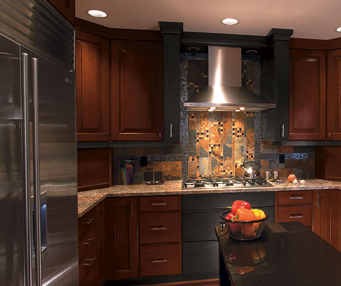 Kitchen Backsplash Cherry Cabinets: Cherry Wood Kitchen With Charcoal Maple