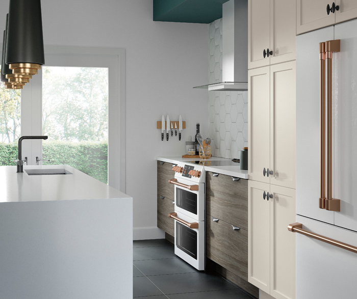 Contemporary Kitchen in Thermofoil and Melamine