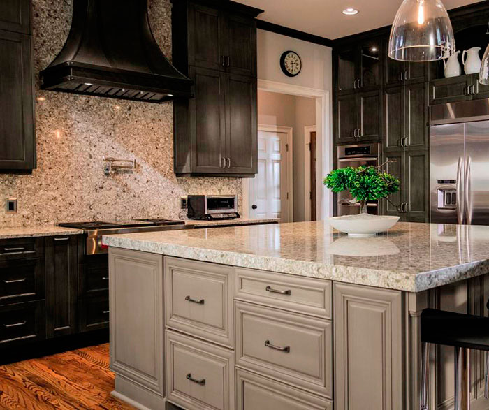 Casual Gray Kitchen Cabinets