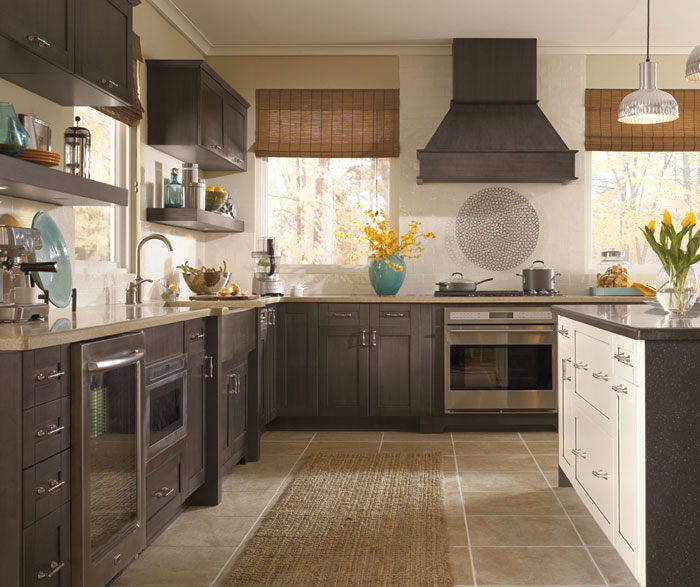 Beau ... Shaker Style Cabinets In Casual Kitchen ...